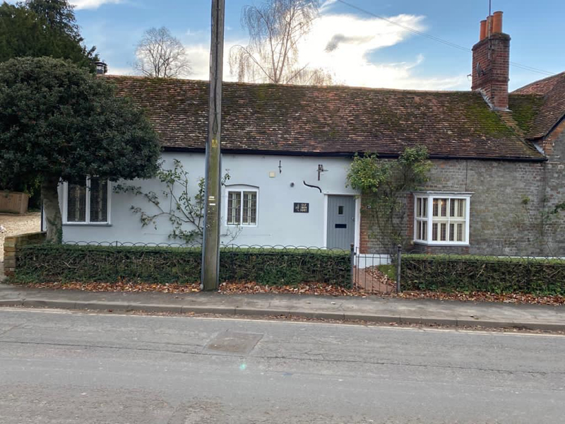 painting house in Watlington